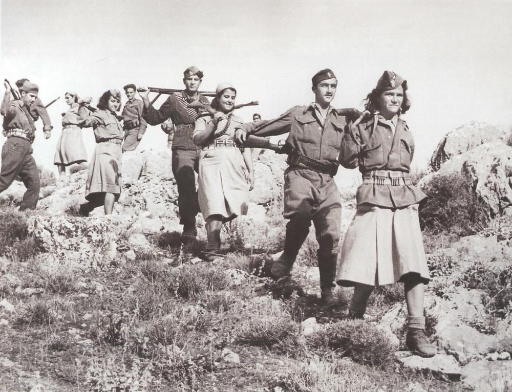 Members of the Greek resistence group ELAS. (Source: Wikimedia)