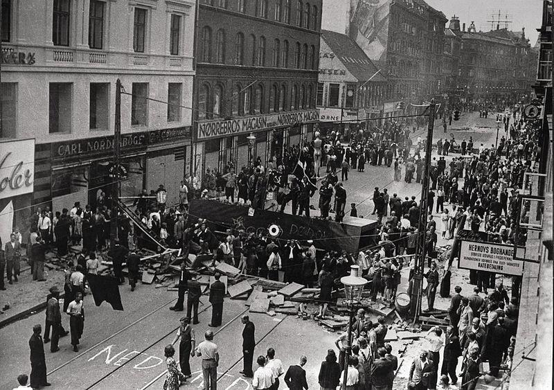 Barricades erected during a general strike, Nørrebro, Copenhagen, July 1944. (Source: Wikimedia)