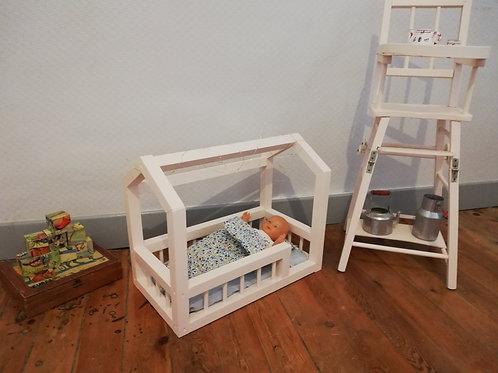 Lit cabane pour poupées