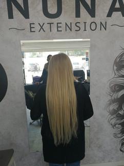 תוספת ארוכה של שיער בלונד