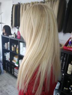 תוספות שיער בלונדיני