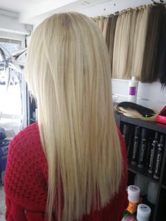 תוספות שיער בגוון בלונד