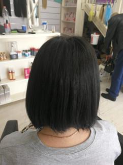לפני חיבור תוספות שיער שחור