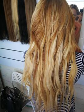 תוספות שיער בלונד גלי