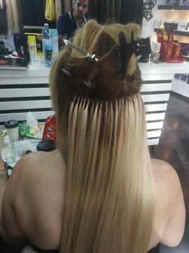 חיבור תוספות שיער