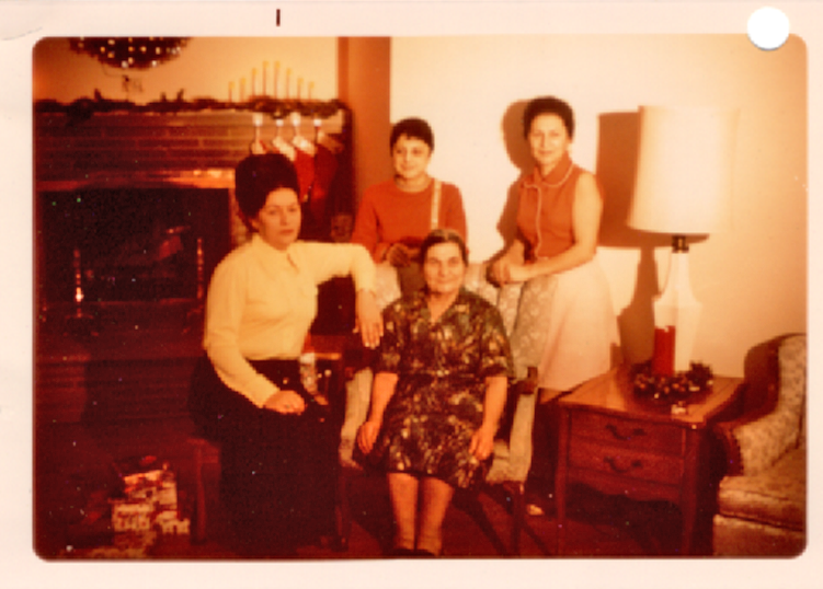 Aunt Adele, Aunt Alice, Mom  in Front Grandma( 1965)