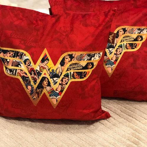 Almofada Decorativa Mulher Maravilha