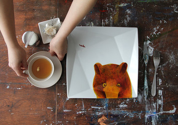 Maiko Suzuki plates work photo direction.