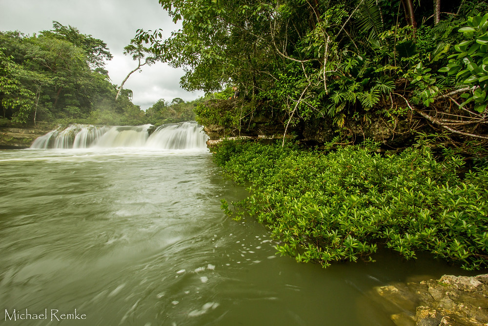 The Rio Blanco flows pass tumultuous jungle with powerful poise. From ridge to reef, the rivers string it all together.