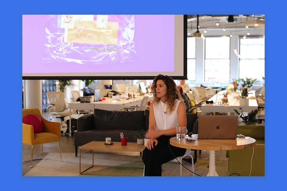 Hagit Kaufman falando no Wix Design Playground no ano passado