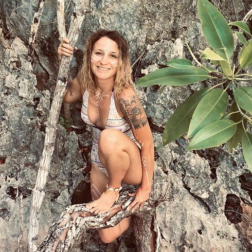 Lola Angual Yoga Amazone Ardeche.JPG