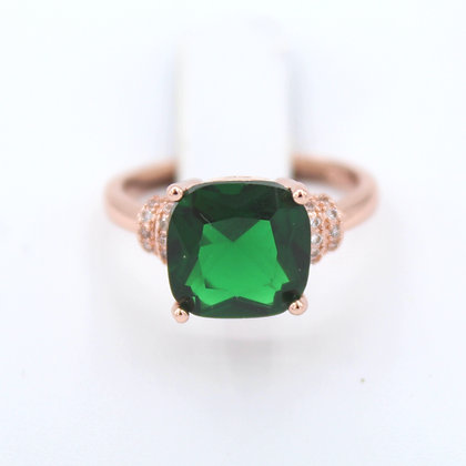 Emerald 18K gold Ring