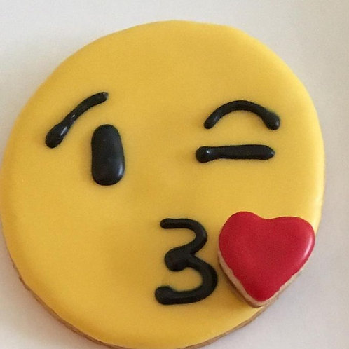 Kiss Emoji Cookies