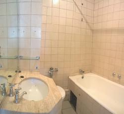Century - bathroom 2