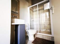 Paris House - Bathroom