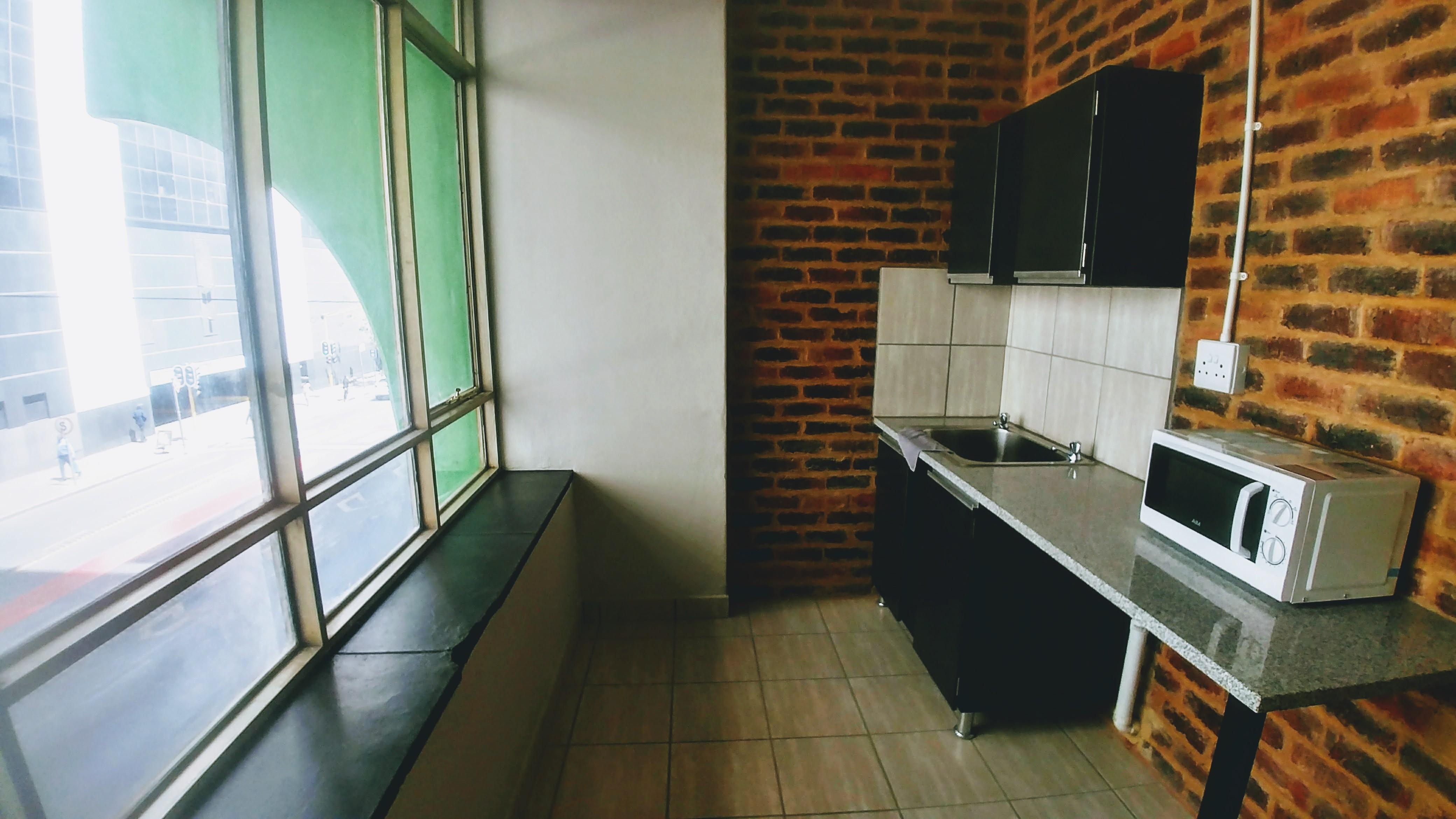 Palstate House - Studio - Kitchen 1