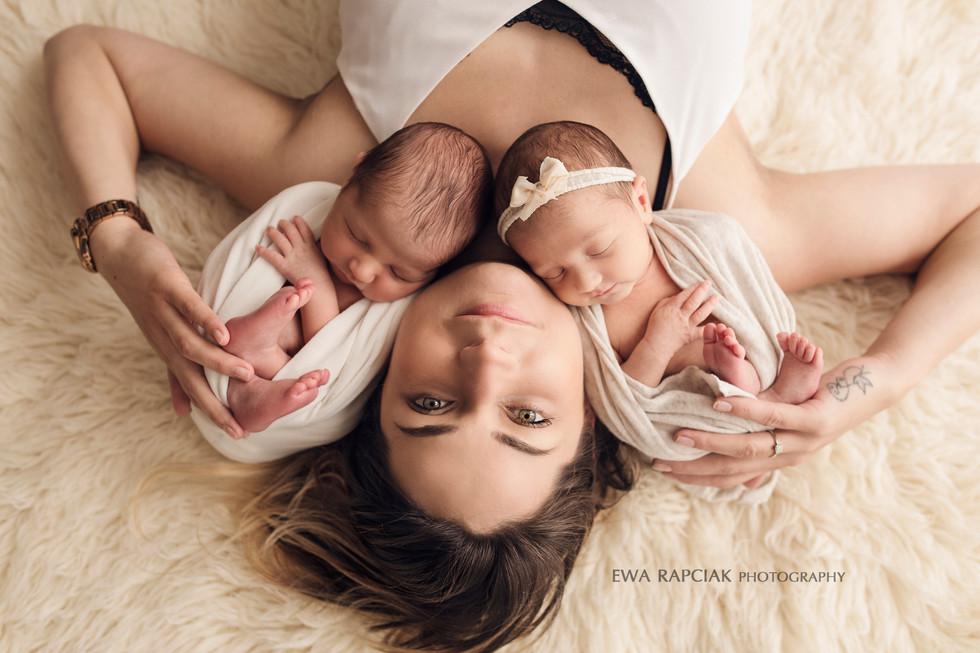 Multi awarded newborn photographer in Basingstoke