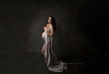 Professional and unique maternity session in Basingstoke