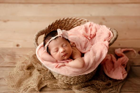 Newborn photo Basinsgtoke