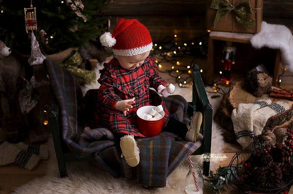 baby smile before christmas Berkshire