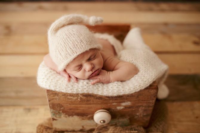 Professional newborn baby photography in Basingstoke