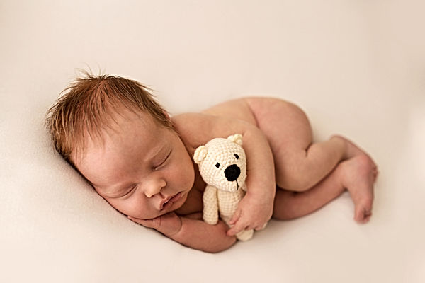local photographer newborn session