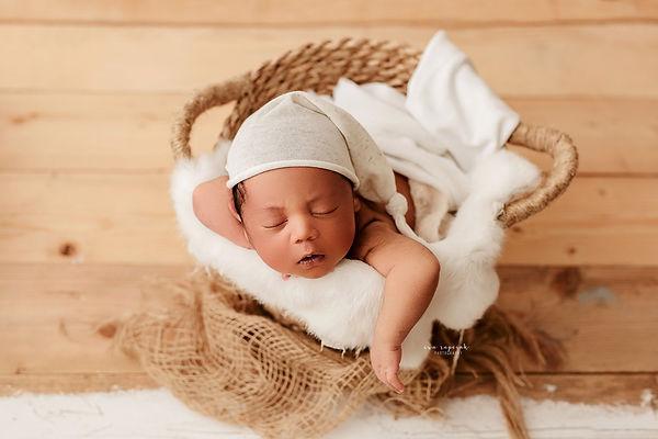 newborn baby photography Basingstoke
