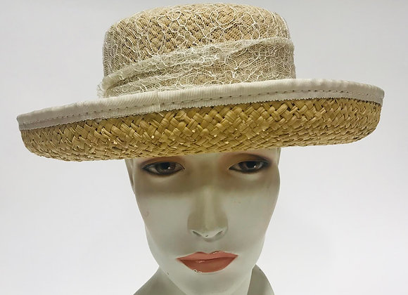 Straw Hat with Daisy