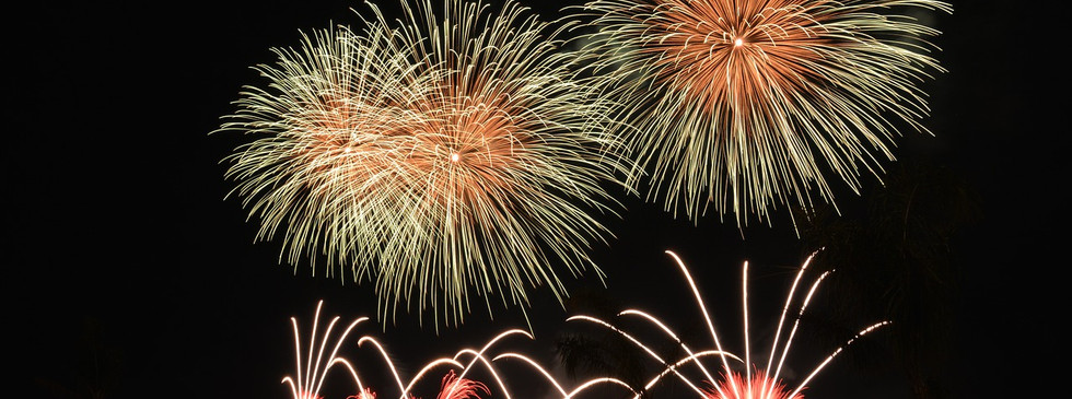 fireworks-535198_1280.jpg