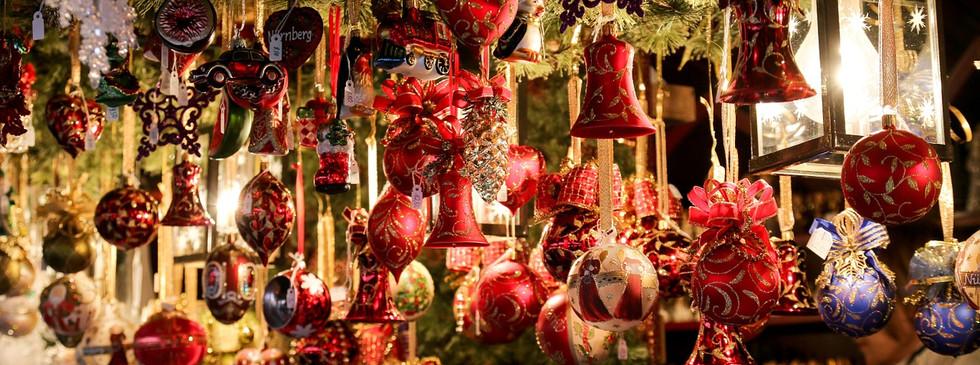 christmas-market-550323_1280.jpg