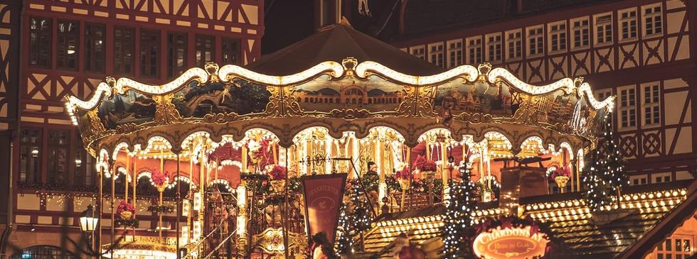 christmas-market-4705885_1280.webp