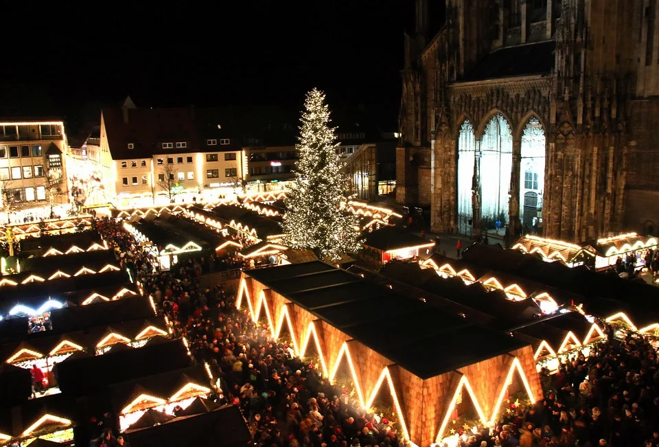 christmas-market-579084_960_720.webp