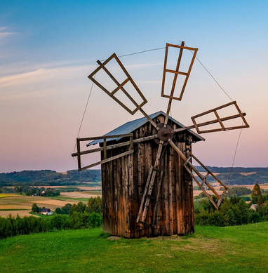 old-windmill-5713337_1280.webp