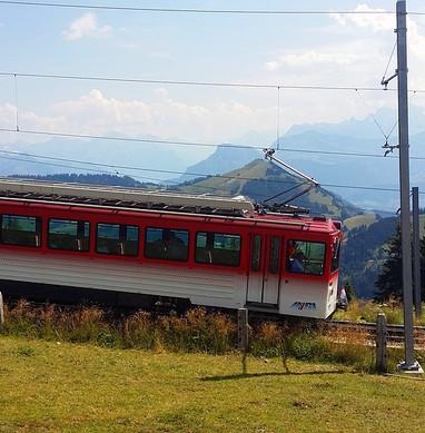 train-1795384_960_720.jpg