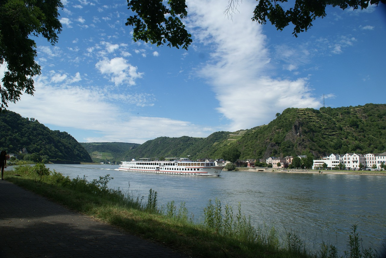 rhine-equipment-2432137_1280.jpg