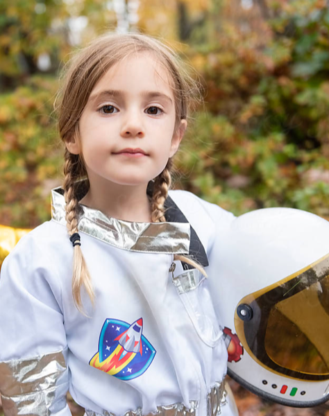girl wearing astronaut custom