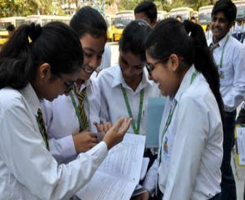 Hold Practicals in School, parents: CBSE Board exams