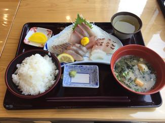 Fresh_Fish_LunchPhoto_by_Keijiro_Suzuki.JPG