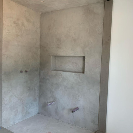 Poolhouse Concrete Indoor Shower