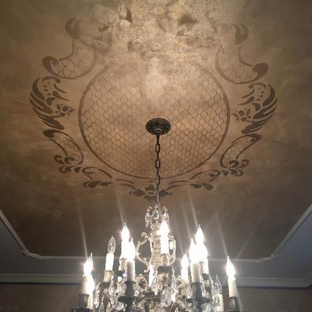 Metallic Baroque Inspired Ceiling Pattern