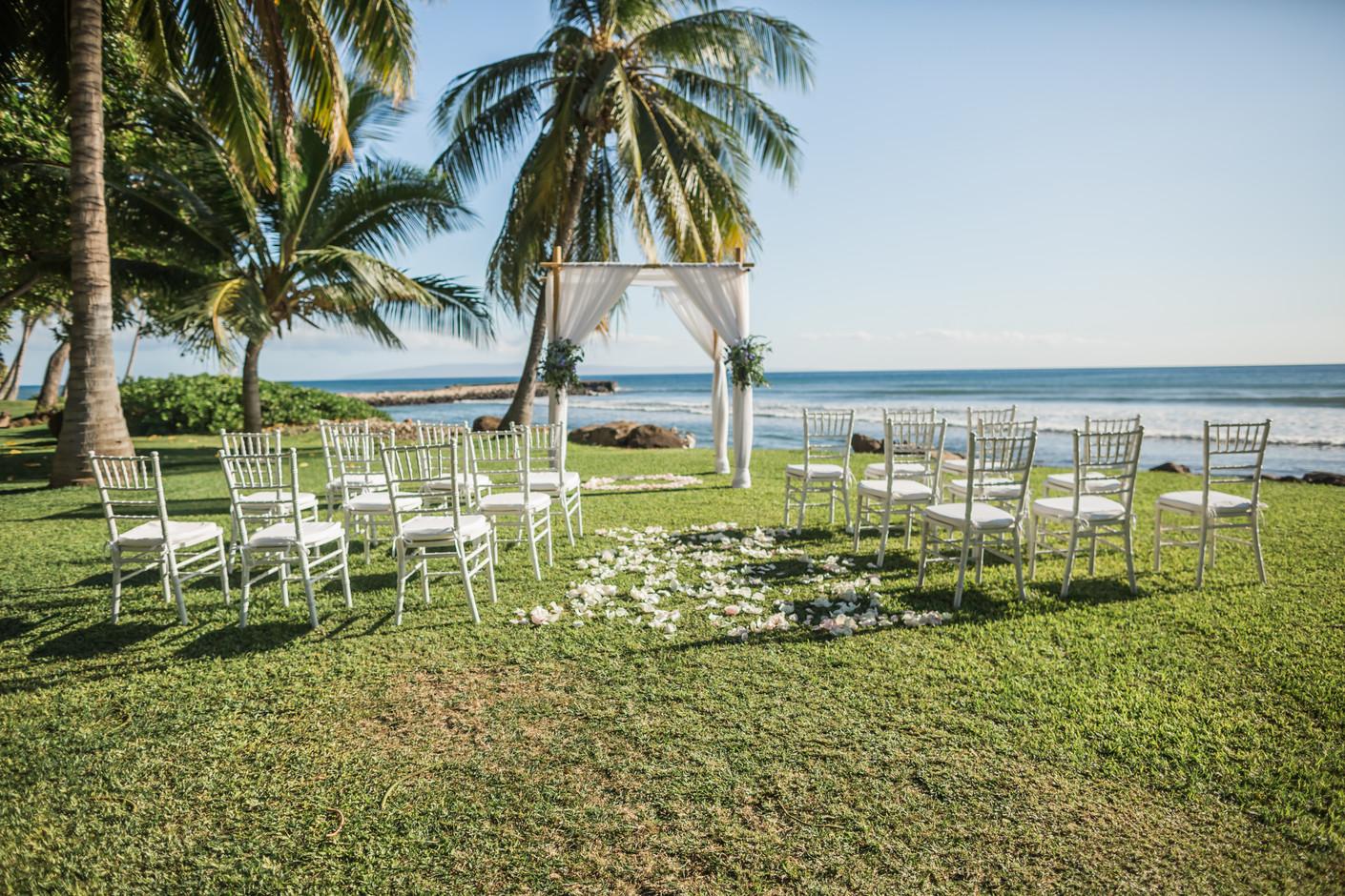 Blue Dreamy Wedding Arch Arrangements at