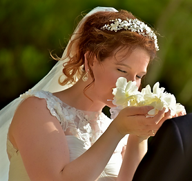 White scented Hawaii wedding leis