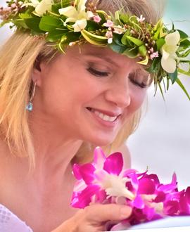 Tropical Hawaii haku head lei