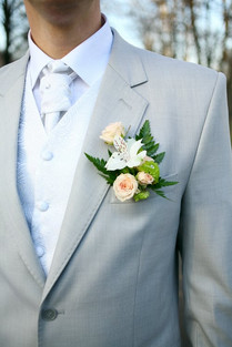Wedding in Hawaii boutonniere