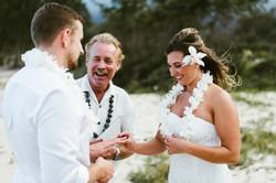 Oahu beach wedding ceremony