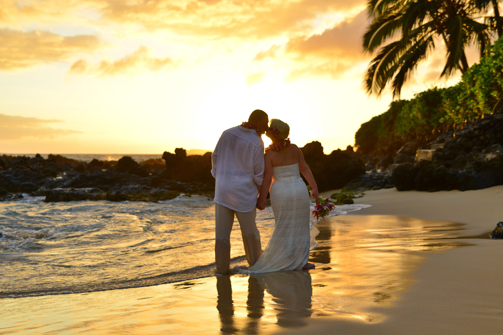 Sunset wedding on Oahu