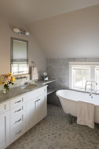 Bainbridge Island Farmhouse Interior Bathroom