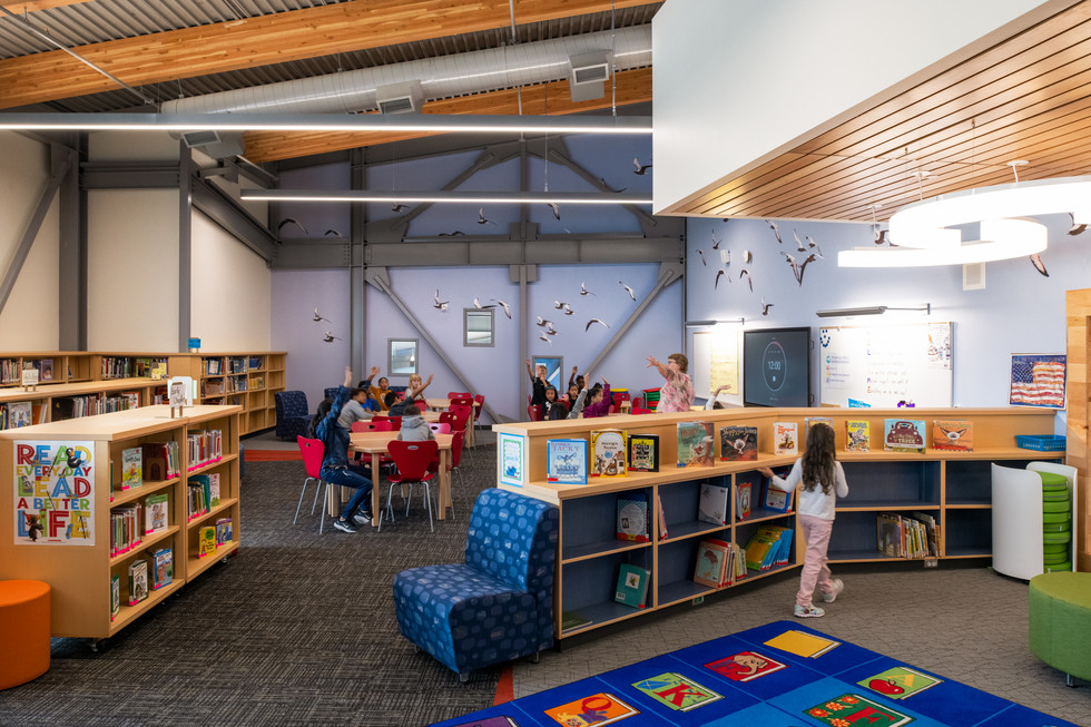 Des Moines Elementary School Library