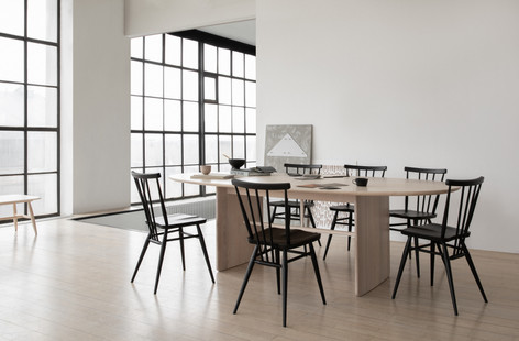 1810 Large Pennon Table in NM and 3355 A
