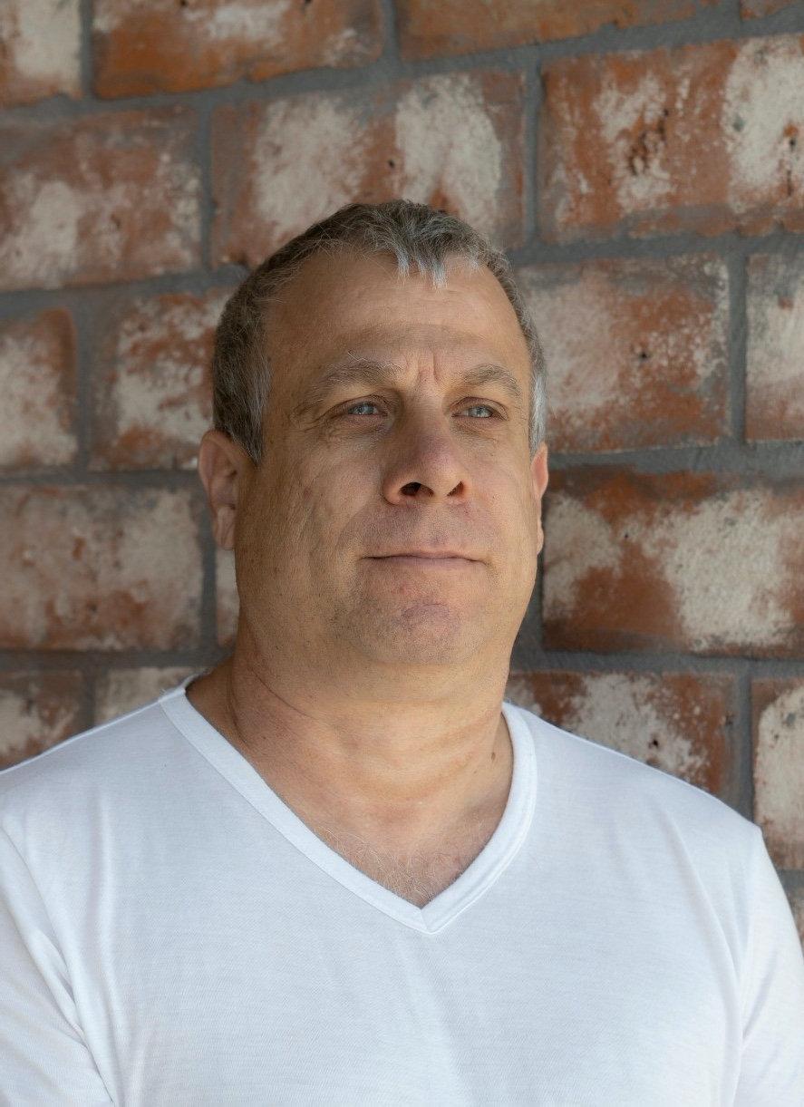 Zdjęcie profilowe Benny'ego Glasera.